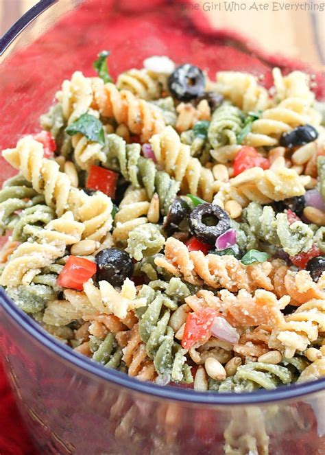 pasta salad dressing recipe m 225 s de 25 ideas incre 237 bles sobre rotini pasta recipes en
