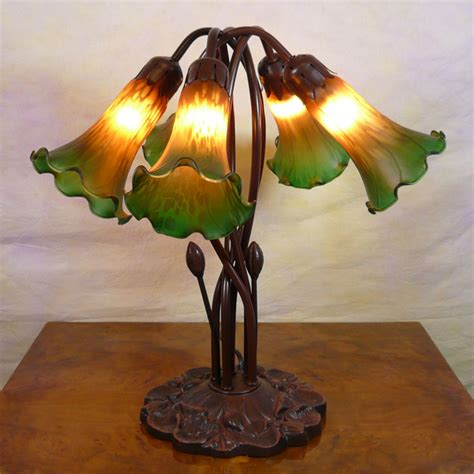 Table Function Lampe Tiffany Lily