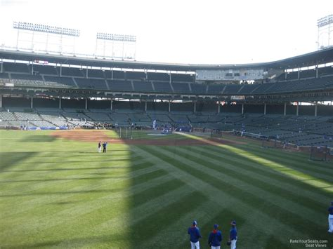 wrigley field bleacher seats come serve wrigley field section 304 chicago cubs rateyourseats