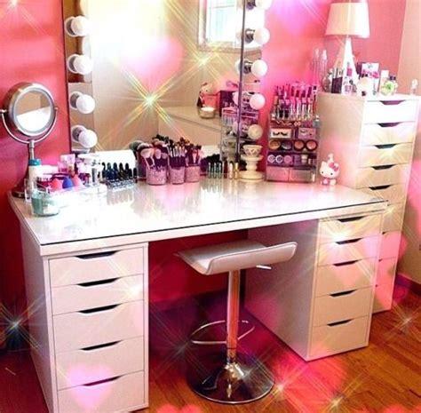 dream bedroom dressing table desk mirror fairy lights makeup brush holder storage pink princess