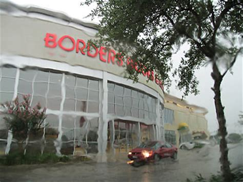 waldenbooks houston closing the borders at westheimer and gessner swlot