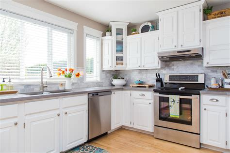 how to clean cabinets before painting how do you clean kitchen cabinets before painting