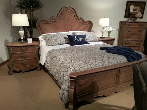 Antique Looking Bedroom Furniture by Awesome Antique Look Oak Bed Bedroom Furniture Ebay