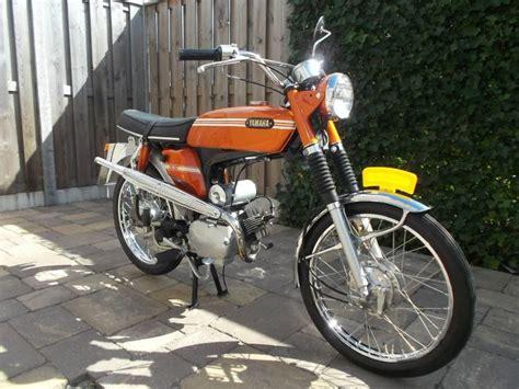 Cover Side 1 2 Yamaha Xabre 150 Original Grey new restored en original moped for sale on 2040 motos
