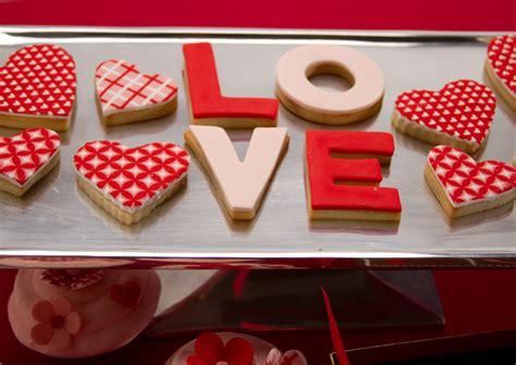 cookie decorating valentines day cookies cookie decorating