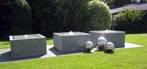 moderne wasserspiele zinkbrunnnen voll im trend informationsseite zu