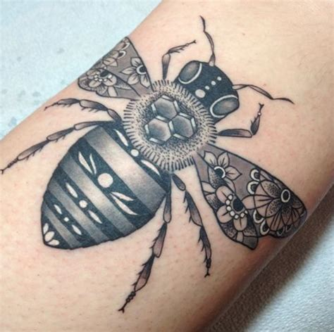 tattoo zoo instagram bienen zoos and tattoos on pinterest