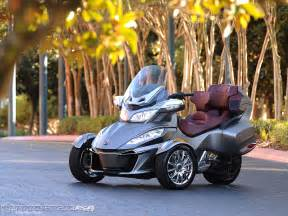 Spider Prices 2014 Can Am Spyder Rt Look Photos Motorcycle Usa
