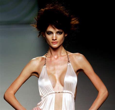 france bans super skinny models france s plans to ban size zero models are noble but