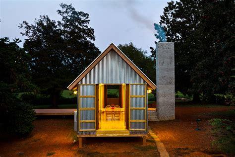 shed fits   modernist dogtrot reborn