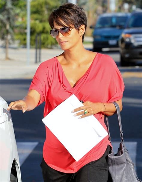 Halle Berry Sporting Baby Bump On Instyle Magazine by Halle Berry Wedding Ring Photo S Bling Us