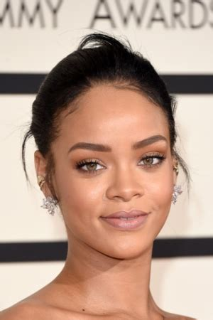 rihanna beauty riot newhairstylesformen2014 com all of the beauty looks from the 2015 grammy awards