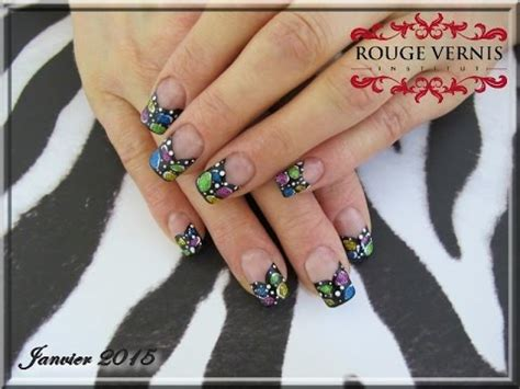 prothese ongle fantaisie nail tutoriel des ongles multicolor pour le printemps