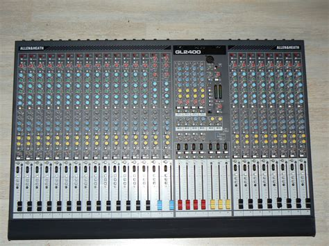 Mixer Allen Heath Gl2400 24 allen heath gl2400 24 image 445769 audiofanzine