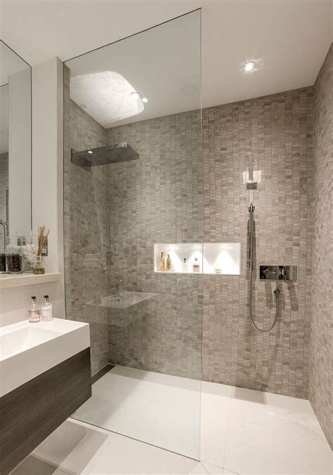 Modern Bathroom Shower Best 20 Modern Bathrooms Ideas On Modern Bathroom Design Grey Modern Bathrooms And