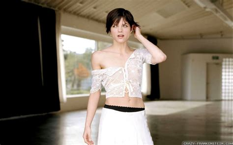 The New On The Gap Block Selma Blair And Mayer by Selma Blair Wallpapers High Resolution And Quality