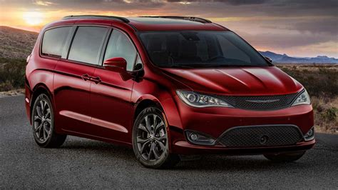 2019 Chrysler Minivan by Chrysler Celebrates 35 Years Of Minivans At 2019 Chicago