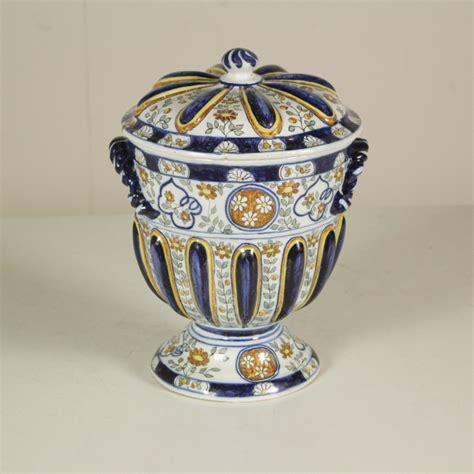 vaso di ceramica vaso in ceramica con coperchio ceramiche antiquariato