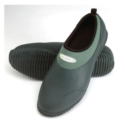 muck boot company s daily lawn and garden shoe