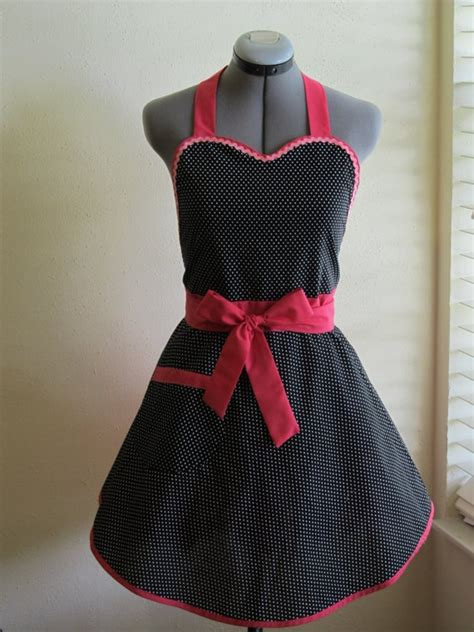heart pattern apron 109 best aprons images on pinterest sewing aprons and