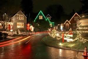 seattle christmas lights neighborhoods neighbors say s sweet on seattle s iconic the seattle times