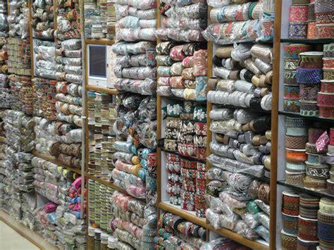 zari shop  kinari bazaar  chandni chowk  delhi