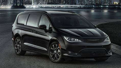 chrysler pacifica hellcat canceled fca reports car news turn up the johnny chrysler pacifica s is a minivan in black