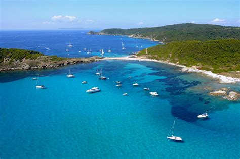 Cap Taillat Yacht Scuderia Location yacht charter