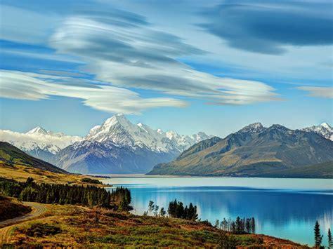 bautiful incredibly blue lake pukaki   zealand