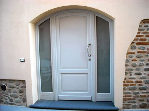 portone d ingresso in legno portoncino d ingresso in legno bianco