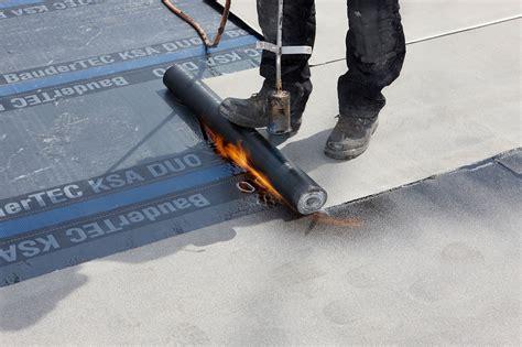 Flachdachabdichtung Folie Oder Bitumen by Flachdachabdichtung I Bitumenbahnen Dach Baustoffwissen