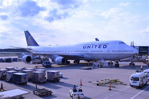list of united airlines hubs usa today list of major airline hubs travel miles 101