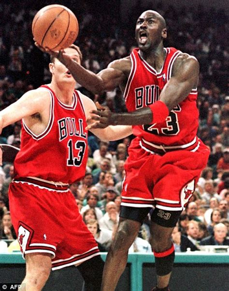 Jersey Basket Nba Chicago Bulls Rising Glow In The Michael Turns 50 Picture Special Daily Mail