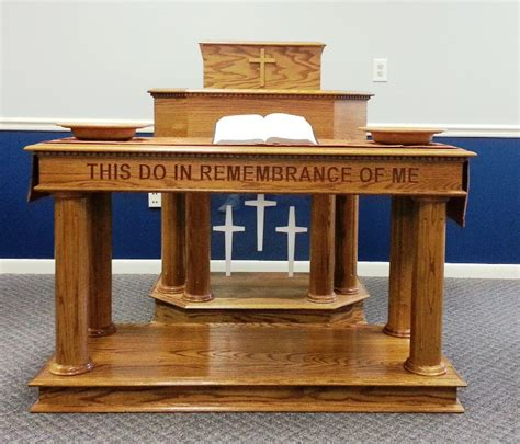 pictures of pulpits for churches