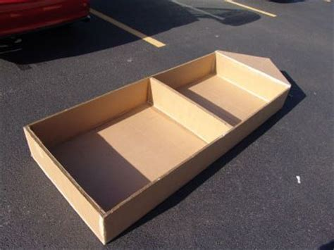 how to do box quest build a boat best 25 cardboard box boats ideas on pinterest aquarium