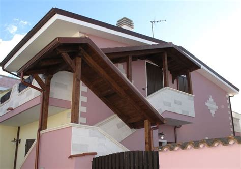 tettoie esterne in legno copertura scale esterne scale