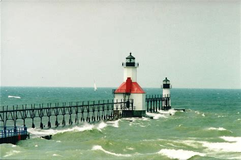 Yn1906 Outer al s lighthouses michigan st joseph pierhead and inner lighthouses