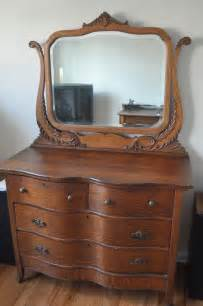 Antique Dressers With Mirror by Antique Vintage Oak Dresser With Mirror Places To