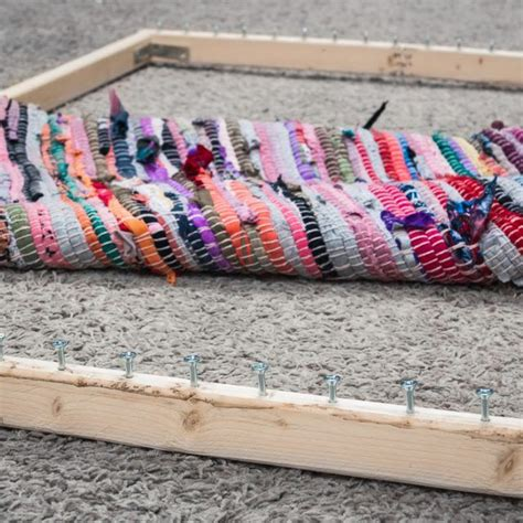 How To Make A Frame Loom For Rag Rugs by Best 25 Knit Rug Ideas On Knitted Rug Rag