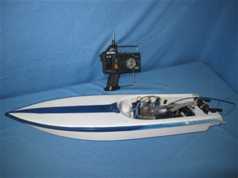 traxxas gas powered boats 32 quot gas nitro rc boat single prop complete w traxxas