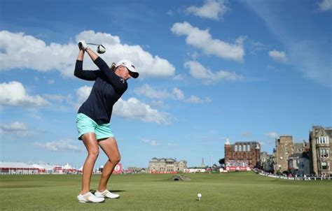 swing while you re winning after a suspension of play the ricoh women s british open