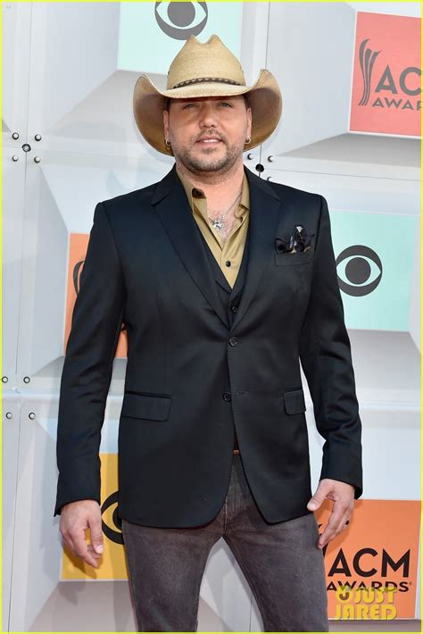 2016 jason aldean wife jason aldean brings wife brittany kerr to acm awards 2016