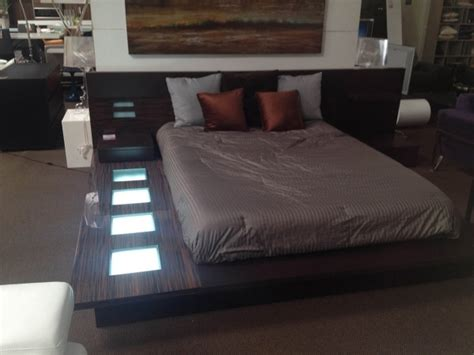 impera modern contemporary lacquer platform bed wonderful modrest impera modern contemporary lacquer platform bed red photos 69 bed