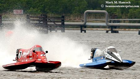 boat r fights photojournalism thunder on the neches