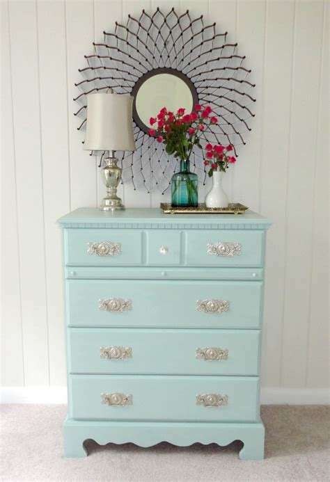 How To Paint A Dresser by Livelovediy How To Paint Laminate Furniture In 3 Easy Steps