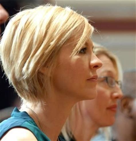 short hair on pinterest jenna elfman haircuts and cool haircuts jenna elfman textured bob short hair hair pinterest