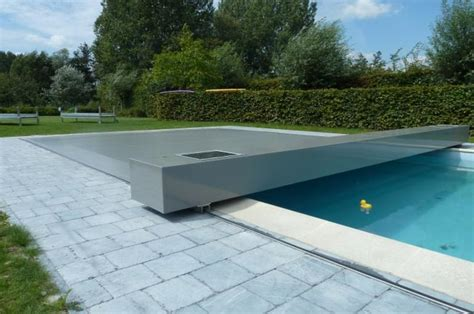 couverture piscine tendue 4 saisons abrisud coverseal