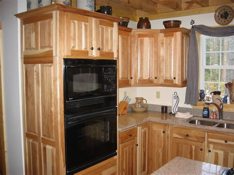 kitchens with hickory cabinets hickory kitchen cabinets pictures liberty interior why
