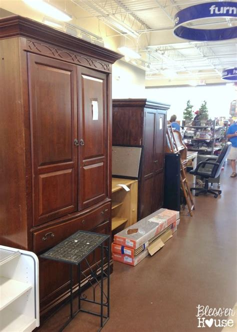 Does Goodwill Sell Furniture by 17 Best Images About Goodwill Thrift Store On