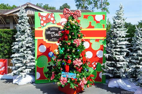 disney springs christmas tree trail photo 3 of 9